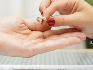 как проихсодит развод